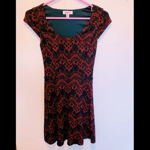 Candie's Dresses - Candies red & black short sleeve skater dress!